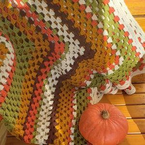 VINTAGE crochet throw